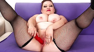 Bunny De La Cruz in Plumper Bunny Plays With Her Fleshy Pussy - JeffsModels